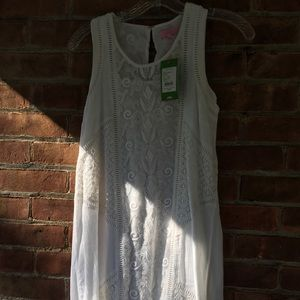 Lilly Pulitzer white shift dress.